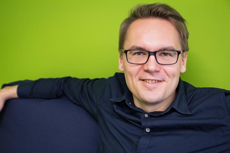 Lauri Kivelä, Membook, myynti